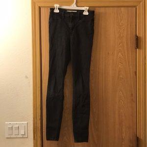 High-Rise Hollister Skinny Jeans (Black)